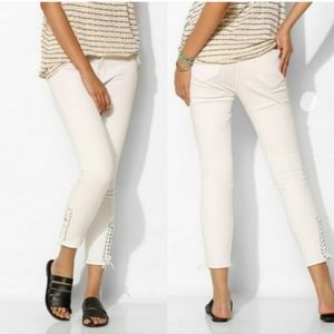 BDG cropped high rise Twig size 29 jeans